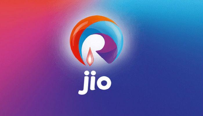 जिओच्या 999 रुपयाच्या 4G मोबाईलचे फोटो लिक