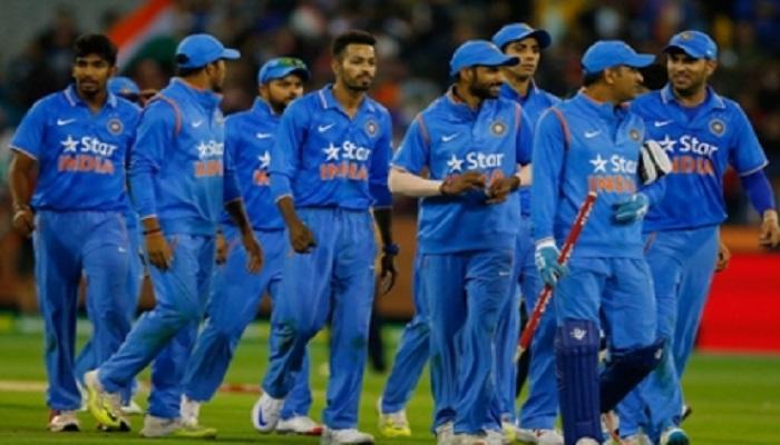 पहिल्या टी-२०मध्ये भारतीय क्रिकेटपटूंसोबत असणार त्यांची आई