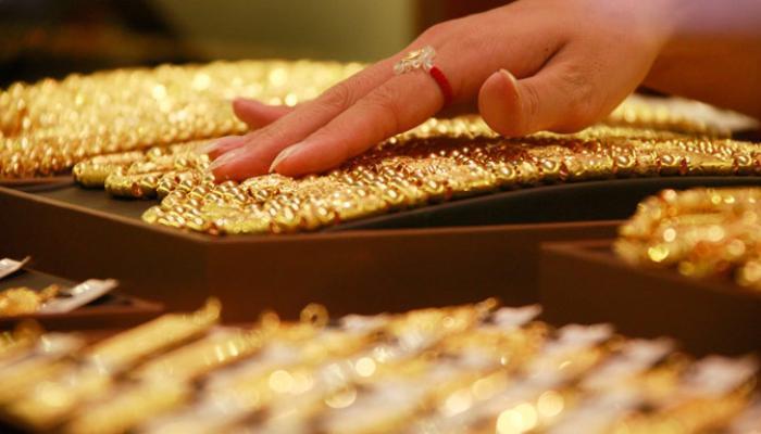 सोनं आणि चांदीचा भाव घसरला