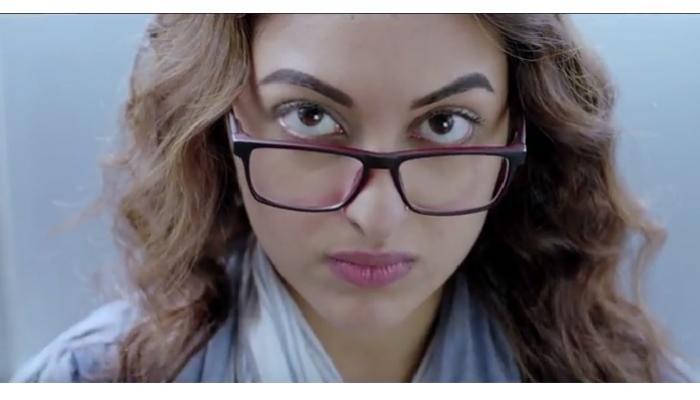 नूर सिनेमातील 'उफ ये नूर' रिलीज