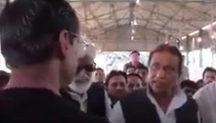 व्हिडिओ : सरकारी अधिकाऱ्यावर भडकले आझम खान