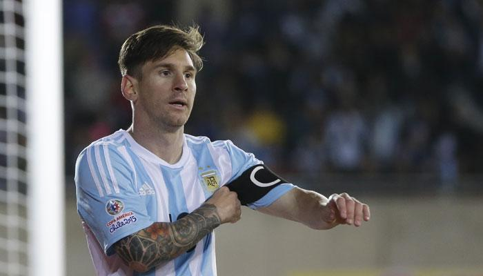 प्रसिद्ध फुटबॉल खेळाडू मेस्सीवर 4 आंतरराष्ट्रीय सामन्यांवर बंदी