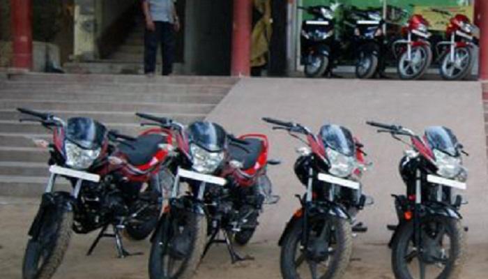 हीरो आणि होंडाच्या बाईकवर १२,५०० रुपयांची सूट