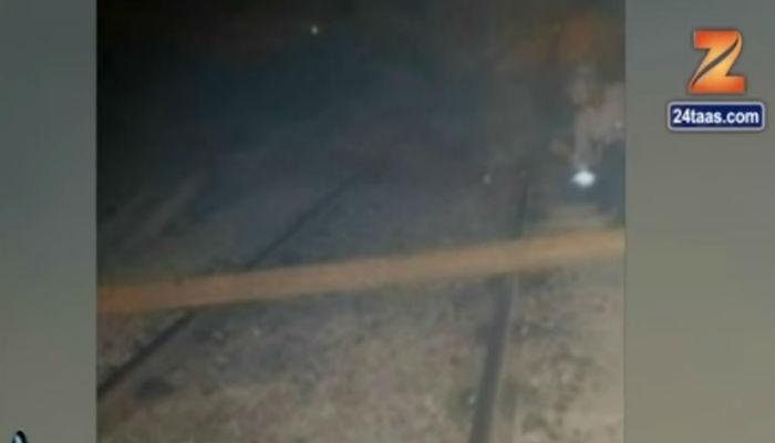 म्हणून त्यांनी दिव्याजवळच्या रेल्वे ट्रॅकवर ३५० किलोचा रॉड ठेवला