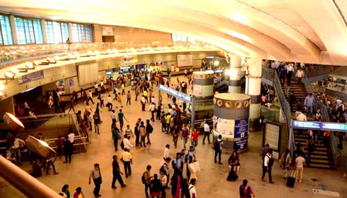 जेव्हा दिल्लीच्या मेट्रो स्टेशनवर सुरु झाला पॉर्न व्हिडिओ