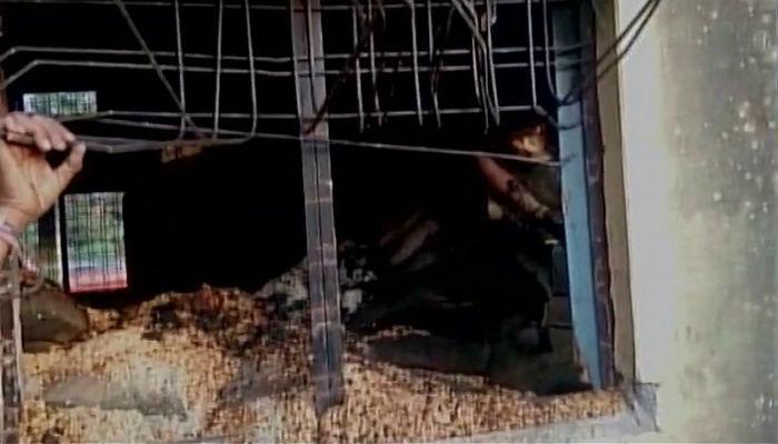 रेशन दुकानाला भीषण आग, होरपळून १४ जणांचा मृत्यू