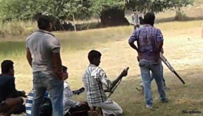 क्रिकेट खेळताना बॅट, स्टम्प मारून मुलाची हत्या