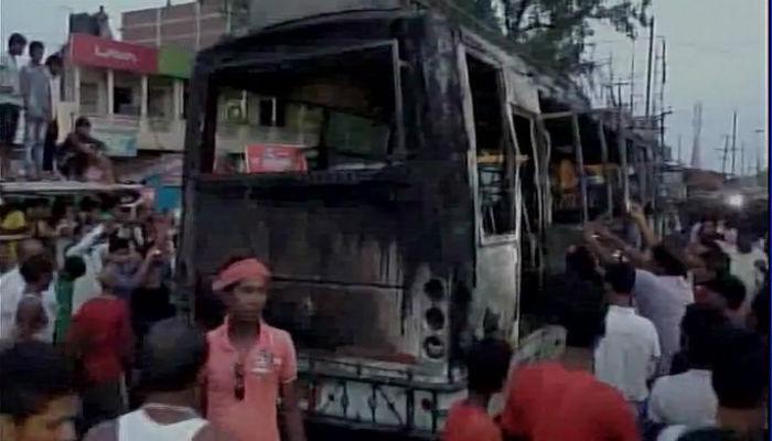 बिहारमध्ये धावती बस पेटली, आठ जणांचा होरपळून मृत्यू