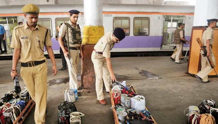 मुंबई आणि दिल्लीमध्ये दहशतवादी हल्ल्याची शक्यता