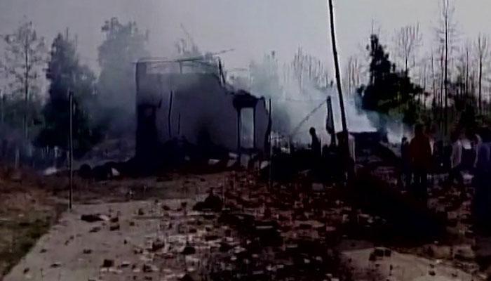 फटाक्याच्या कारखान्याला आग, आगीत २३ जणांचा होरपळून मृत्यू