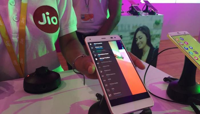 खुशखबर : जिओ लॉन्च करणार सर्वात स्वस्त स्मार्टफोन