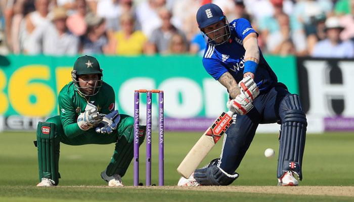 पाकिस्तानसमोर विजयासाठी २१२ धावांचे आव्हान