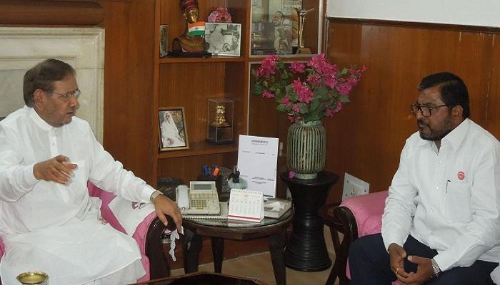 राजू शेट्टींनी घेतली जेडीयू नेते शरद यादवांची भेट