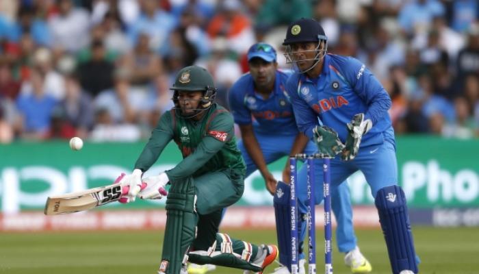 चॅम्पियन्स ट्रॉफी सेमीफायनल : भारताला विजयासाठी हव्या २६५ रन्स