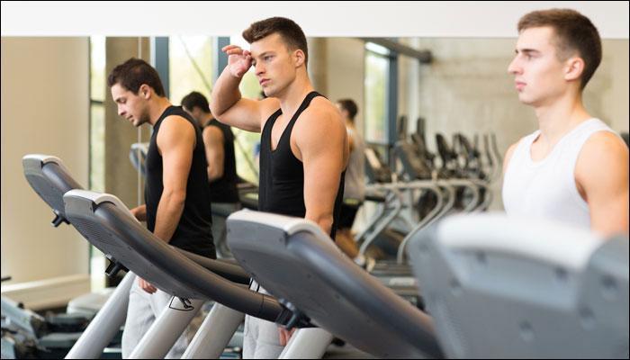 जिममध्ये व्यायाम करतानाच १७ वर्षीय तरुणाचा मृत्यू