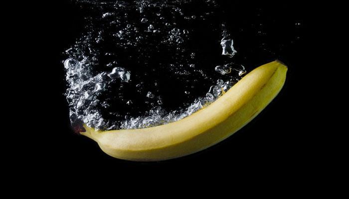 वजन कमी करण्यासाठी घ्या केळी आणि गरम पाणी