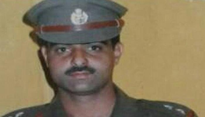 श्रीनगरमध्ये डीएसपीची जमावाकडून हत्या, मृतदेहाची ओळख पटवणंही कठिण