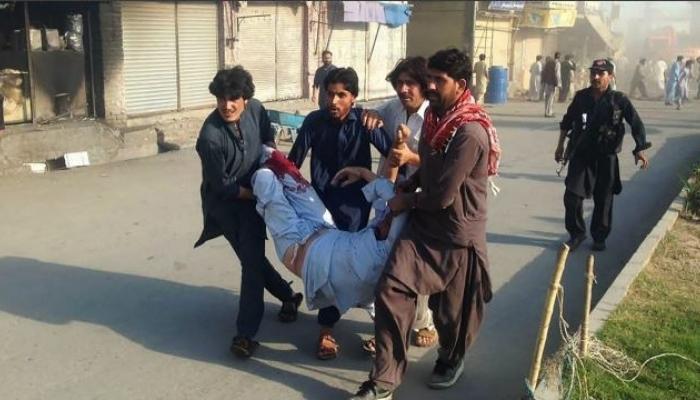 पाकिस्तानात तीन ठिकाणी झालेल्या हल्ल्यात ३८ जण ठार