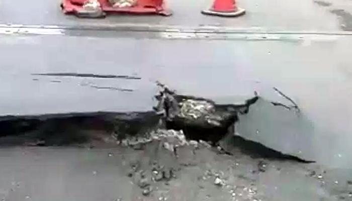 पावसाने मुंबई गोवा महामार्गावर खड्डे, अपघाताची शक्यता
