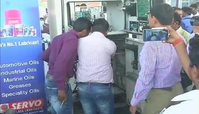 चंद्रपूरमध्ये पेट्रोलपंपावर पेट्रोल चोरीचा भांडाफोड