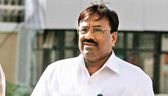 जीएसटीनंतर अर्थमंत्री मुंबई पालिकेला देणार 700 कोटींचा चेक
