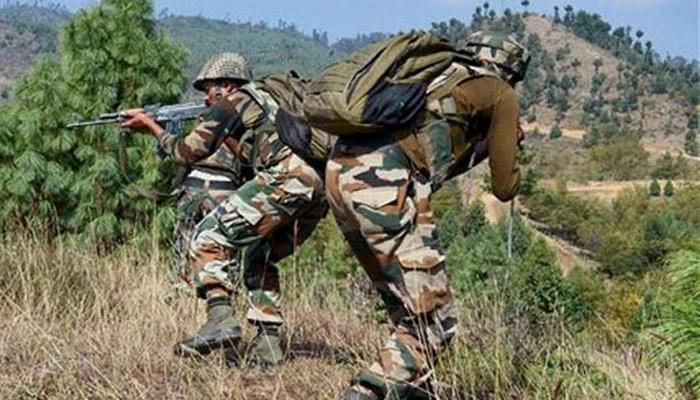 जम्मू-काश्मीरमध्ये दहशतवादी हल्ला, तीन जवान जखमी