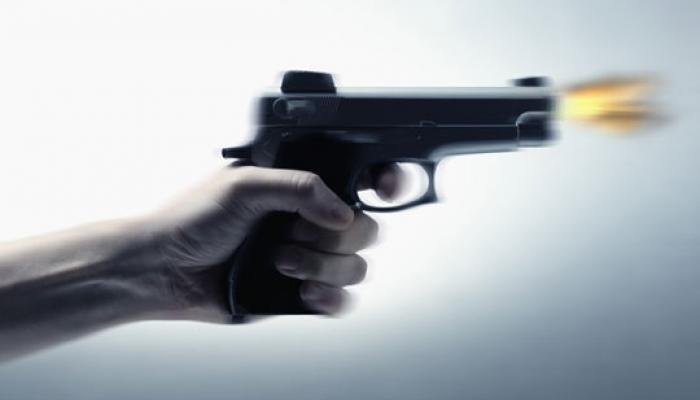 नाशिकमध्ये तरुणावर गोळीबार