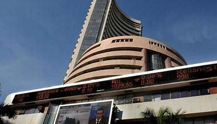 मुंबई शेअर बाजार निर्देशांकाने प्रथमच ३२ हजाराचा ओलांडला टप्पा