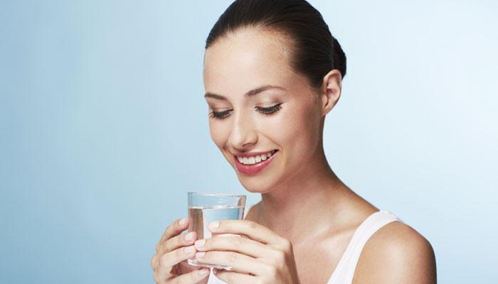 जेवणाच्या अर्धा तास आधी पाणी पिणे आहे जरुरीचे