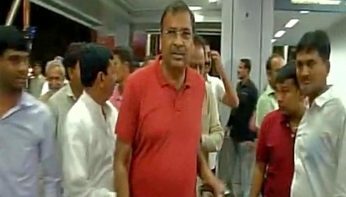 पक्षातली भगदाड थांबवण्यासाठी काँग्रेसनं ४४ आमदार कर्नाटकला पाठवले