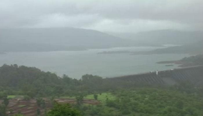 कोयना धरणातून पाण्याचा विसर्ग, आसपासच्या गावांना सतर्कतेचा इशारा