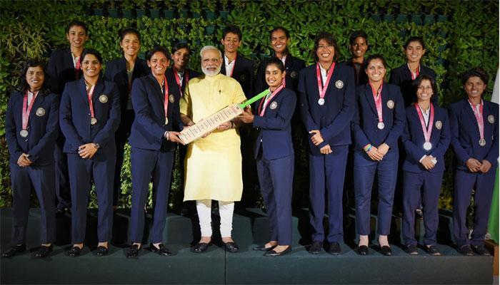 भेटीदरम्यान महिला क्रिकेटर्सनी पंतप्रधान मोदींना विचारले हे प्रश्न