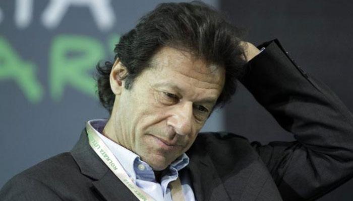 'इम्रान खान चारित्र्यहिन असून ते अश्लिल मेसेज पाठवतात'