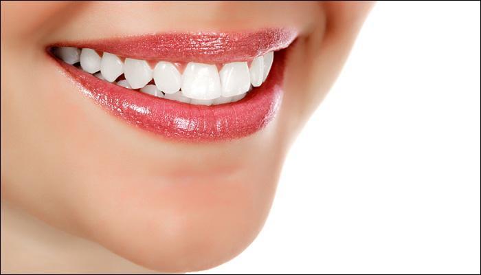 पावसाळ्यात अशी घ्या दातांची काळजी...