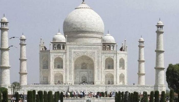 ताजमहाल मकबरा की शिवमंदीर? CIC नं सरकारला विचारला प्रश्न