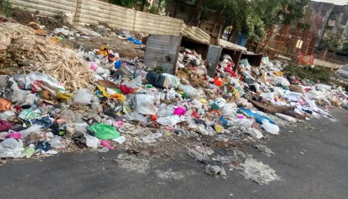 कल्याण डोंबिवलीच्या डंपिंग ग्राऊंडचा प्रश्न बिकट,  ठिकठिकाणी कचऱ्याचे ढिग
