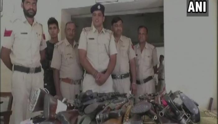 राम रहीमच्या डेरा मुख्यालयात पोलिसांचा छापा, मोठा शस्त्रसाठा जप्त