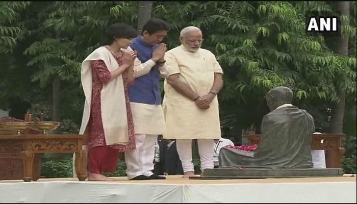 मोदी-शिंजो आबेंचं साबरमती आश्रमात महात्मा गांधींना अभिवादन