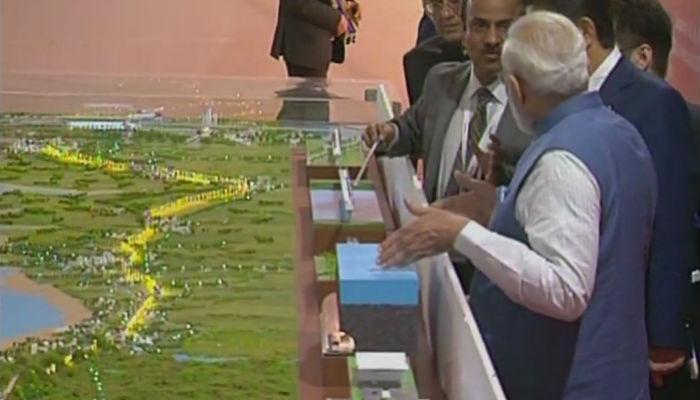 देशातील पहिल्या बुलेट ट्रेनचं पंतप्रधान मोदी आणि आबे यांच्या हस्ते भूमिपूजन