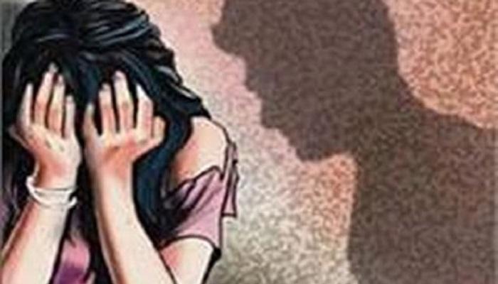 आरोपी सोडून बलात्कार पीडितेच्या वडीलांनाच ३१ हजाराचा दंड