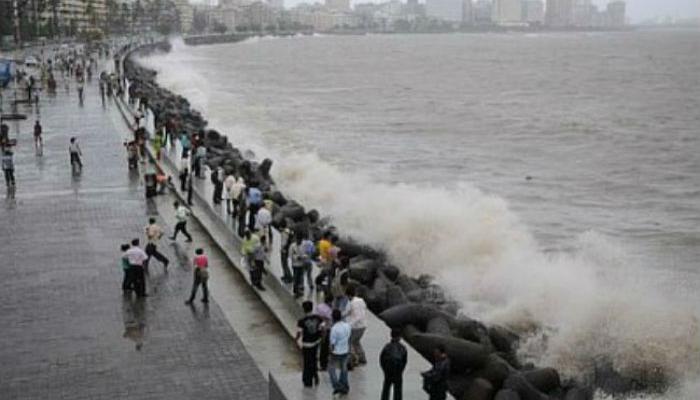 मुंबईवर असणारा मुसळधार पावसाचा धोका टळला