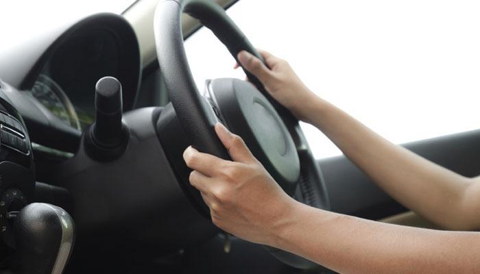 '...म्हणून महिलांना गाडी चालवायची परवानगी नाही'