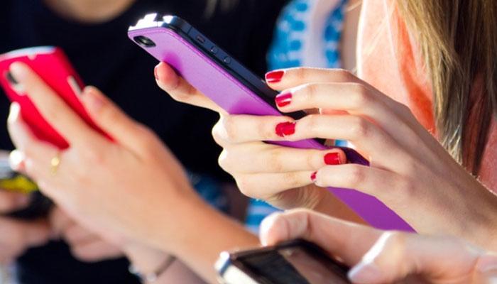 या चार सोप्या सेटिंग्जने मोबाईलची बॅटरी,डेटाही वाचेल