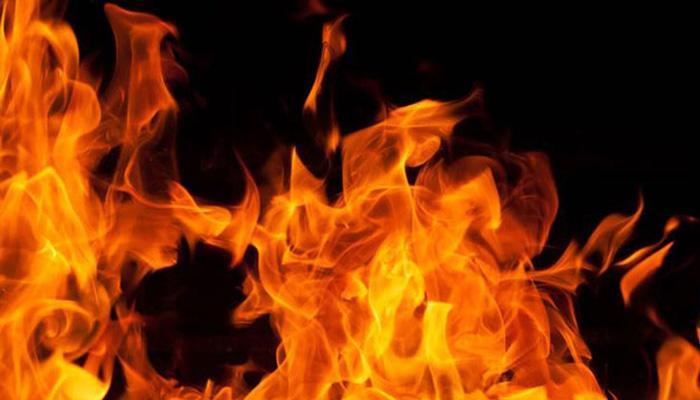 मुंबईजवळ तेलसाठ्याला आग