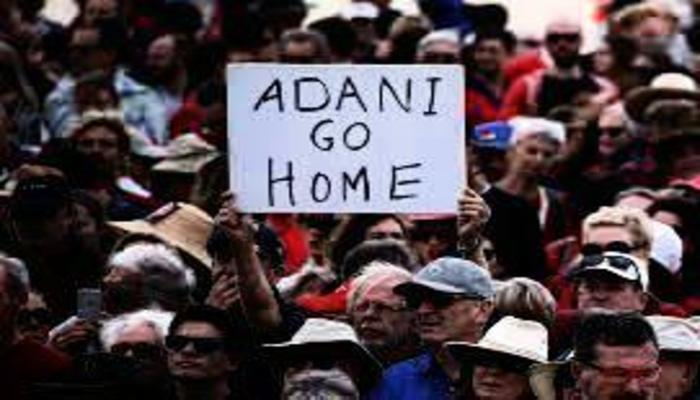 'अदानी एण्टरप्राइझेस'ला ऑस्ट्रेलियात झटका, नागरिकांची निदर्शने, कोळसा खाणीला विरोध