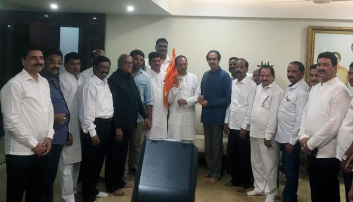 कोकणात राष्ट्रवादीला दे धक्का, रवींद्र मानेंची घर वापसी