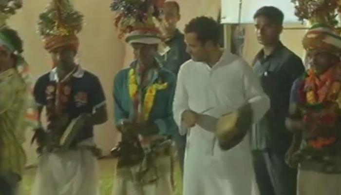 Video : गुजरात दौऱ्यावर असलेल्या राहुल गांधींचा डान्स