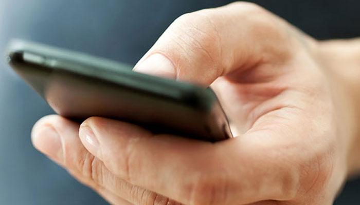 मोबाईलमधून कॉन्टॅक्ट डिलीट झाले, तर काय कराल...