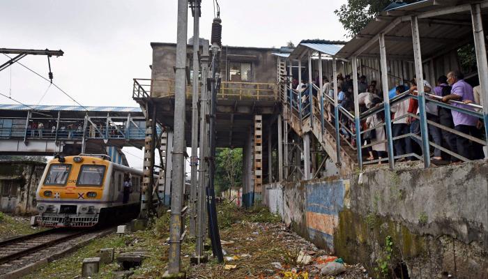 एल्फिन्स्टन चेंगराचेंगरी : रेल्वे स्थानक ऑडिट रिपोर्टमध्ये या महत्वाच्या सूचना
