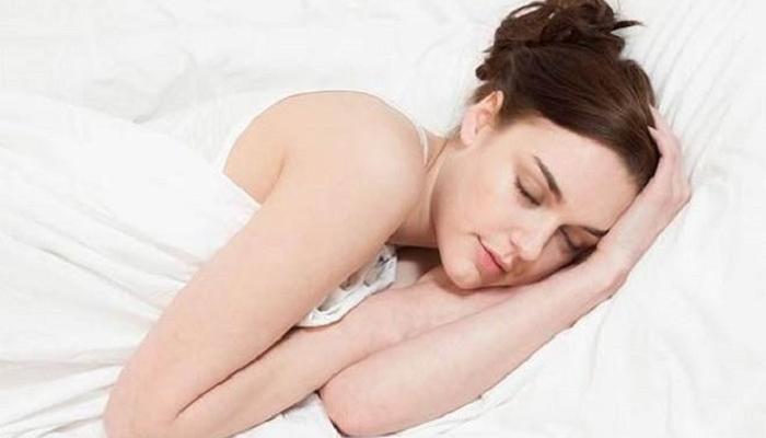 दुपारी झोपण्याचे तोटे माहित आहेत का?